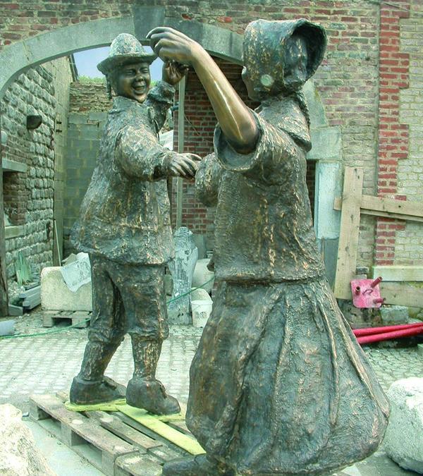 Les Masuis et Cotelis au rond-point  Joséphine-Charlotte à Jambes CJ54 2006